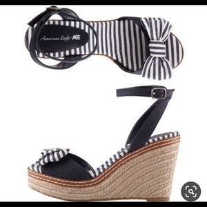 NWOT AE peep toe wedge sandals in blue